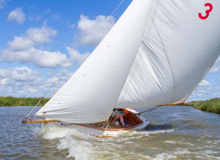 taster sailing experiences Norfolk broads2